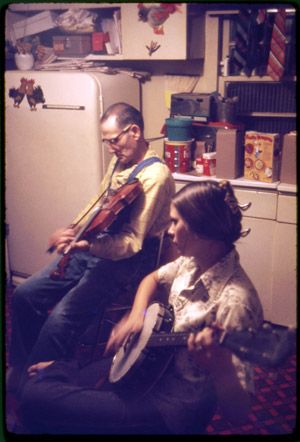 Stoneking-and-daughter-Judy1975_300