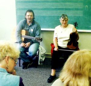 Vesta-Steve-in-Classroom-Fiddle-Tunes